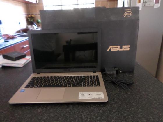 ASUS 15 inch Laptop 2GB RAM in Garsfontein, Gauteng
