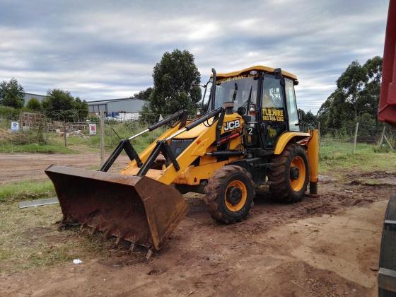TLB, Bobcat and Tipper Hire Durban in Hillcrest, KwaZulu-Natal