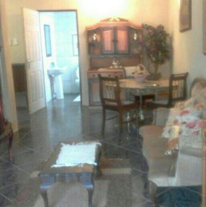 Upmarket fully furnished apartment in Amandasig R4200