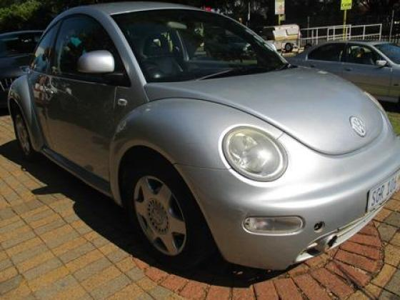 SILVER 2000 VOLKSWAGEN BEETLE FOR ONLY R49 900