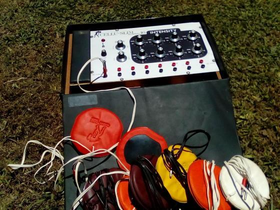 Coopers Micro -brew kit, Celluslim weight loss machine and a wooden tea tray. in Pietermaritzburg, KwaZulu-Natal
