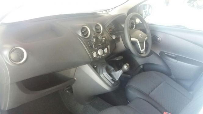 Datsun GO Lux AB