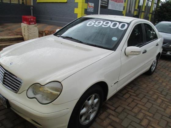 WHITE 2002 MERCEDES-BENZ MANUAL