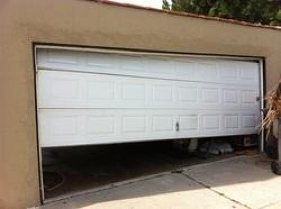 GATE MOTOR AND GARAGE DOOR REPAIRS