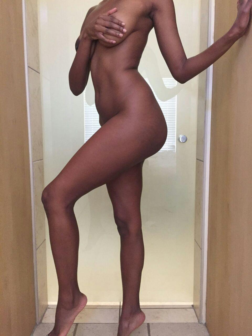 Sexy nude asian ass
