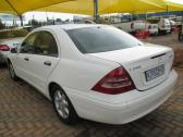 WHITE 2002 MERCEDES-BENZ MANUAL