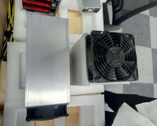 Antminer S9 14TH/s + PSU 1600W APW3++ Bitcoin ASIC Miner in La Lucia, KwaZulu-Natal