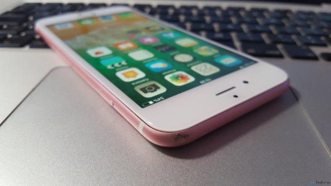 rose gold iphone 6s 64GB in Johannesburg, Gauteng