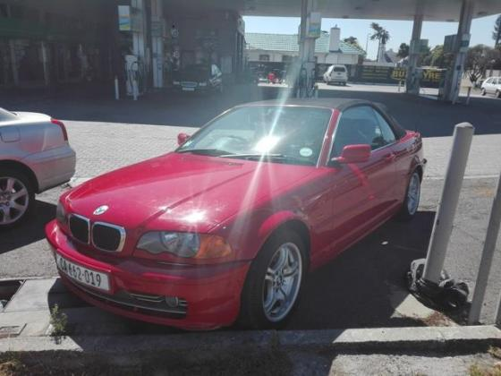 2002 BMW 330CI CONVERTIBLE in Goodwood, Western Cape