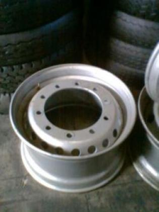 385 BRANDNEW FRONT STEEL RIMS