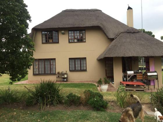 Beautiful Thatch House to Let - Mnandi AH, Centurion