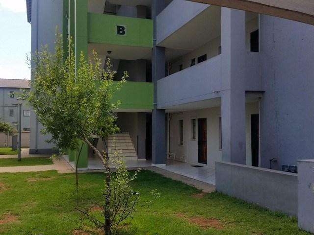 R2400 2 Beds Apartment In Jabulani Ekhaya Soweto Soweto