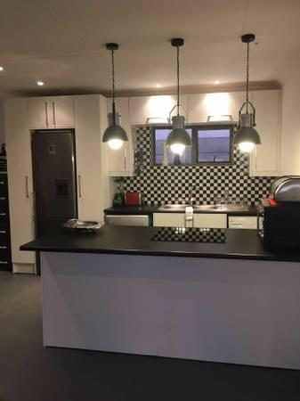 R5500 1br Stunning Safe And Private Cottage Available