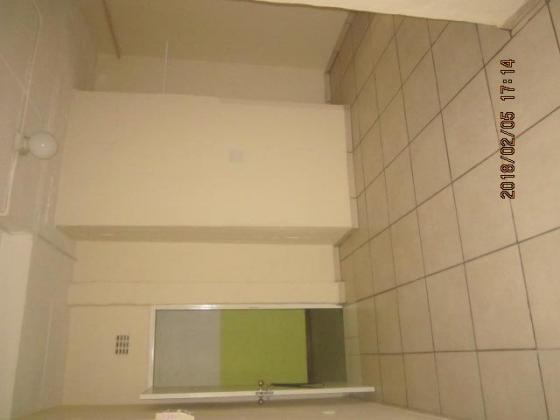 Affordable Tiled Bahelor Flat To Let Near Carlton Centre