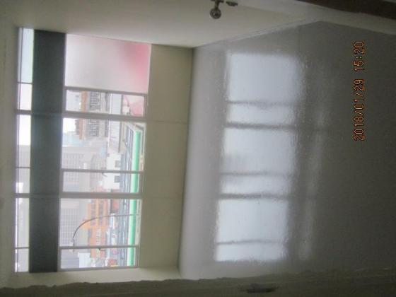 Freshly Tiled Bachelor Flat To Let Near Carlton Centre in Johannesburg, Gauteng