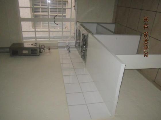 Freshly Tiled Bachelor Flat To Let Near Carlton Centre For R2400