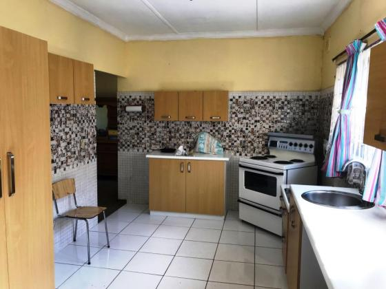 Large family house for sale in Tongaat