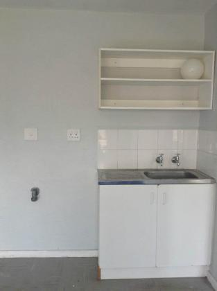3 Bed Apartment - R4424 - move in TOMORROW!