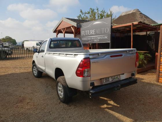 2007 Silver Toyota Hilux 2.7 VVTI For Sale!!