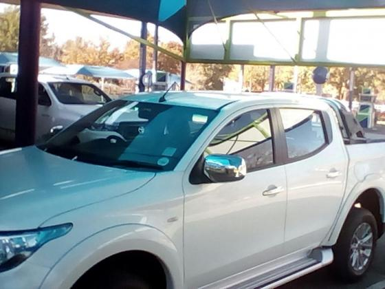 2017 Mitusbishi Triton 2.4 Di-D - Rent to Own