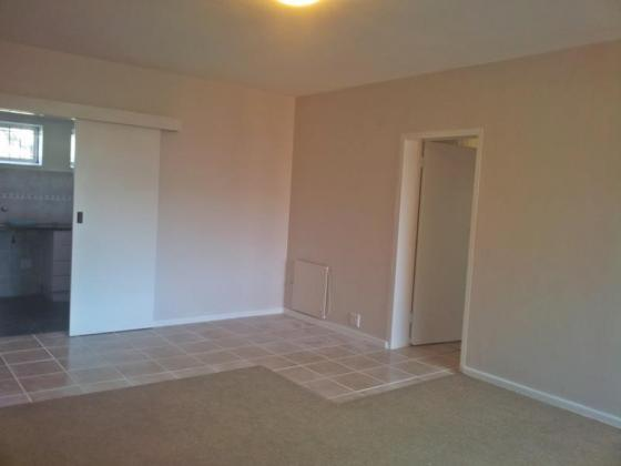 Clean 2 Bedroom Apartment in Diep River for rent