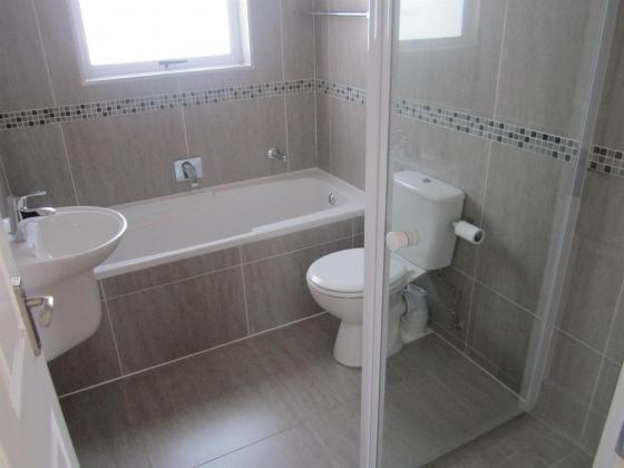 Clean  2 Bedroom House to Rent in Sunningdale in Cape Town, Western Cape