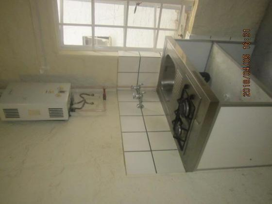 REPAINTED,SECURE AND NEAT 1 BEDROOM FLAT FOR R3300 TO LET NEAR CARLTON CENTRE