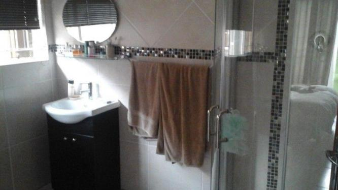 Spacious Furnished Garden Bachelor Flat for R3,800pm