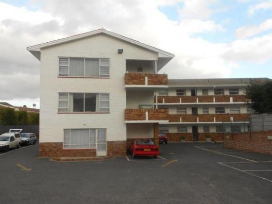 To Rent 2 Bedroom Apartment to Rent in Plumstead in Cape Town, Western Cape
