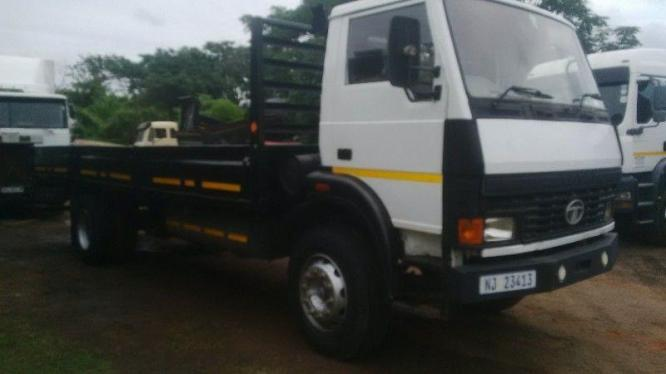 8 TON TRUCKS - OPEN AND CLOSED BODY - AVAILABLE FOR HIRE!!