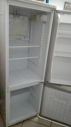 White Mercury 295L Fridge / Freezer for SALE!
