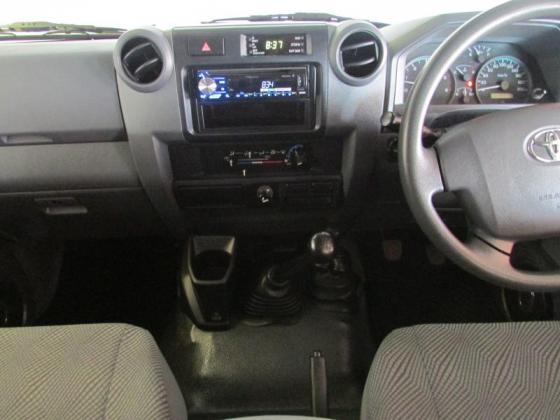 2013 Toyota Land Cruiser 79 4.0P P/U D/C