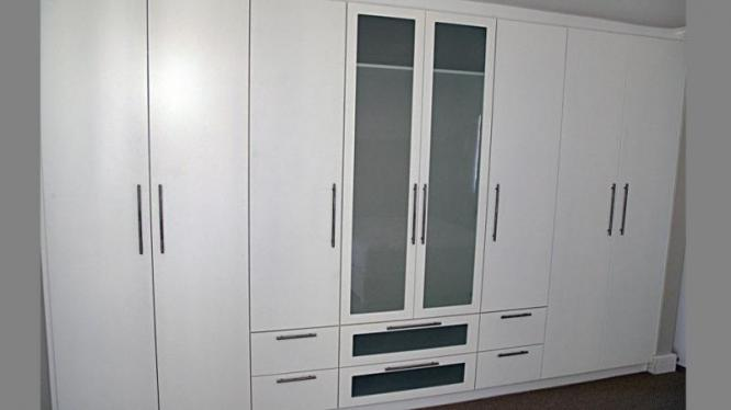 CUSTOM MADE KITCHEN / BEDROOM CUPBOARDS MADE TO SUIT YOUR POCKET WITH A TOUCH OF ELEGANCE