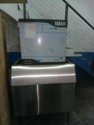 MV806 Scotsman Icemaker
