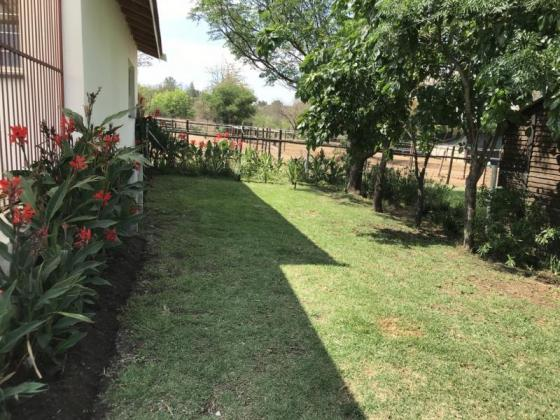 KYALAMI - BEAUTIFUL 2 BEDROOM HOUSE TO LET