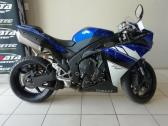 2011 yamaha YZF R-1 (finance available)