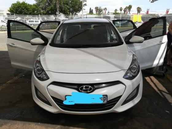 Hyundai i30 DOHC 1.6GLS