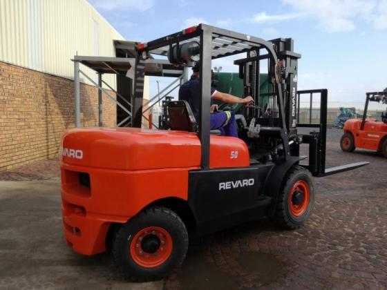 New Revaro FD50D 5.Ton Heavy Duty Forklift (2 Stage)
