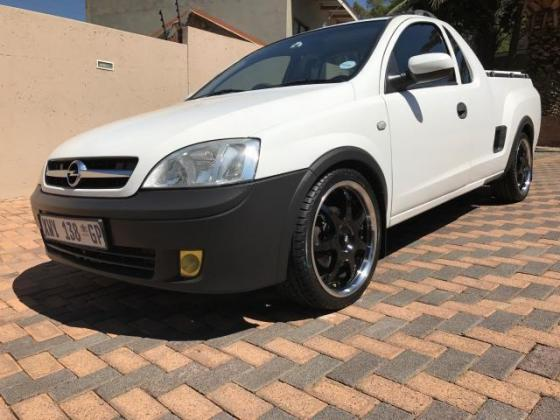 Opel Corsa Utility 1.4i Club