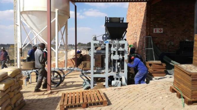 Revaro New RS5-2.5 Brick & Block Making Machine