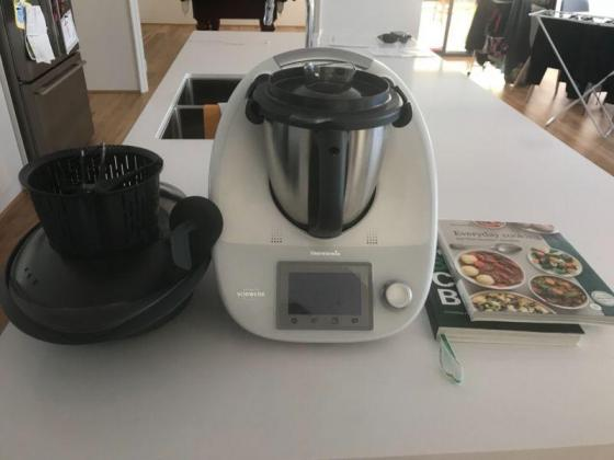 Thermomix TM5-1 including manual... butterfly whisk... etc