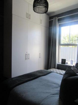 Unfurnished Two Bedroom House in Green Point in Cape Town, Western Cape