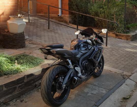 2011 GSXR 600