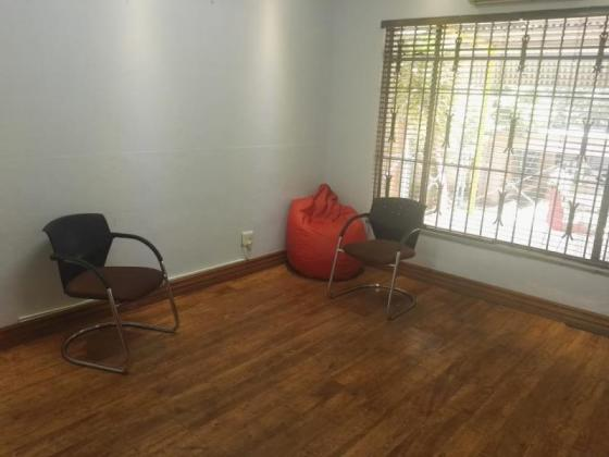 COMMERCIAL SPACE AVAILABLE IN AUCKLAND PARK in Johannesburg, Gauteng