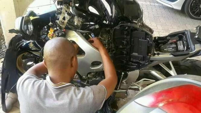 Motorcycle and scooter mobile Mechanic