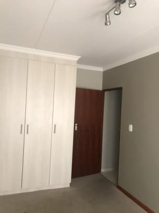 SPACIOUS 3 BEDROOM COMPLEX FOR RENT IN BLUE CRANE ESTATE 1 IN MIDRAND in Midrand, Gauteng