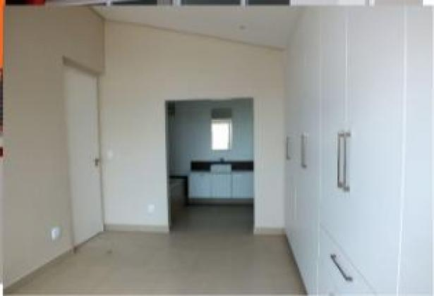 SPACIOUS APARTMENTS AVAILABLE IN MORNINGSIDE, SANDTON!!!