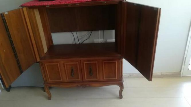 T.V. cabinet in Sea Point, Western Cape