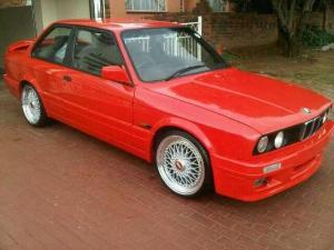 1991 BMW 325is
