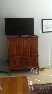 Walnut Vaneer TV cabinet